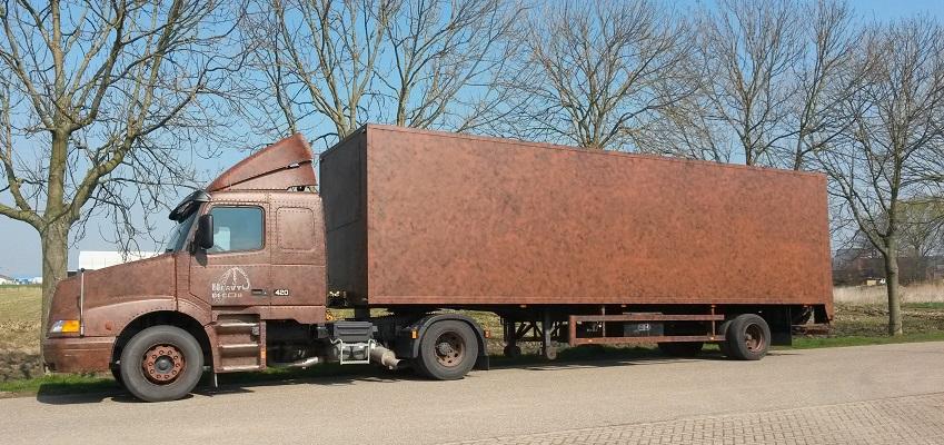 http://heavydecor.nl/event/images/Transportvoertuigen/Volvo-2.jpg