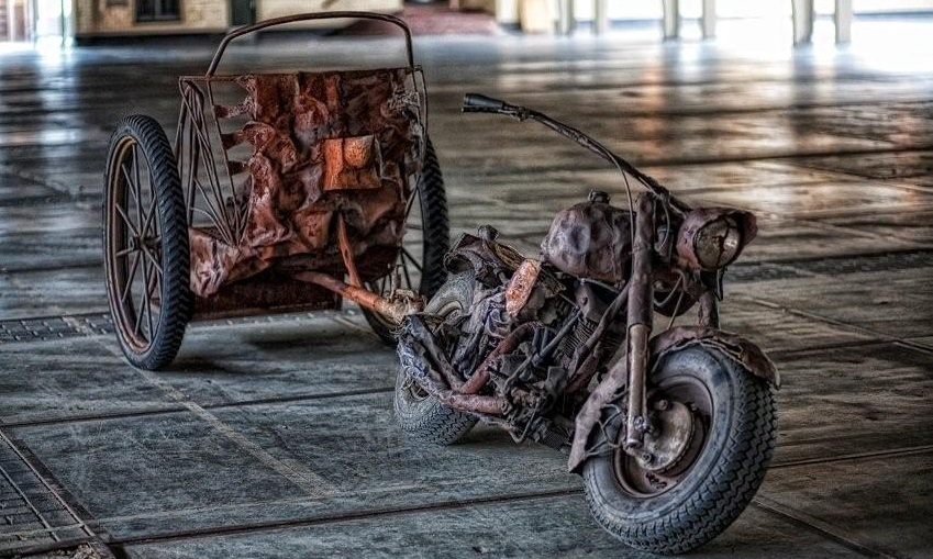 http://heavydecor.nl/event/images/Verhuur/the_old_motorbike.jpg